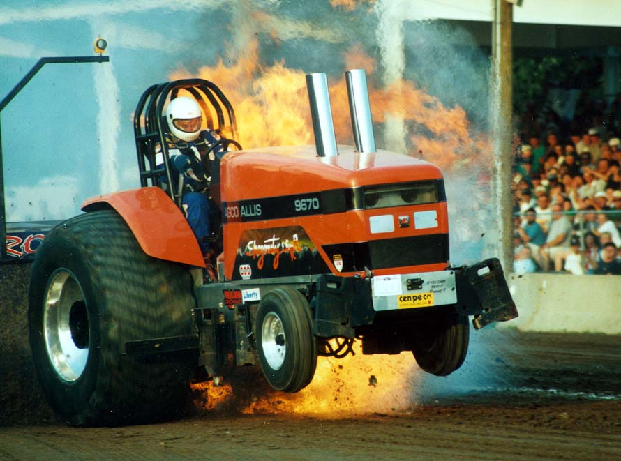 Super Stock Tractor Pulling Engines : Wild rides wrecks
